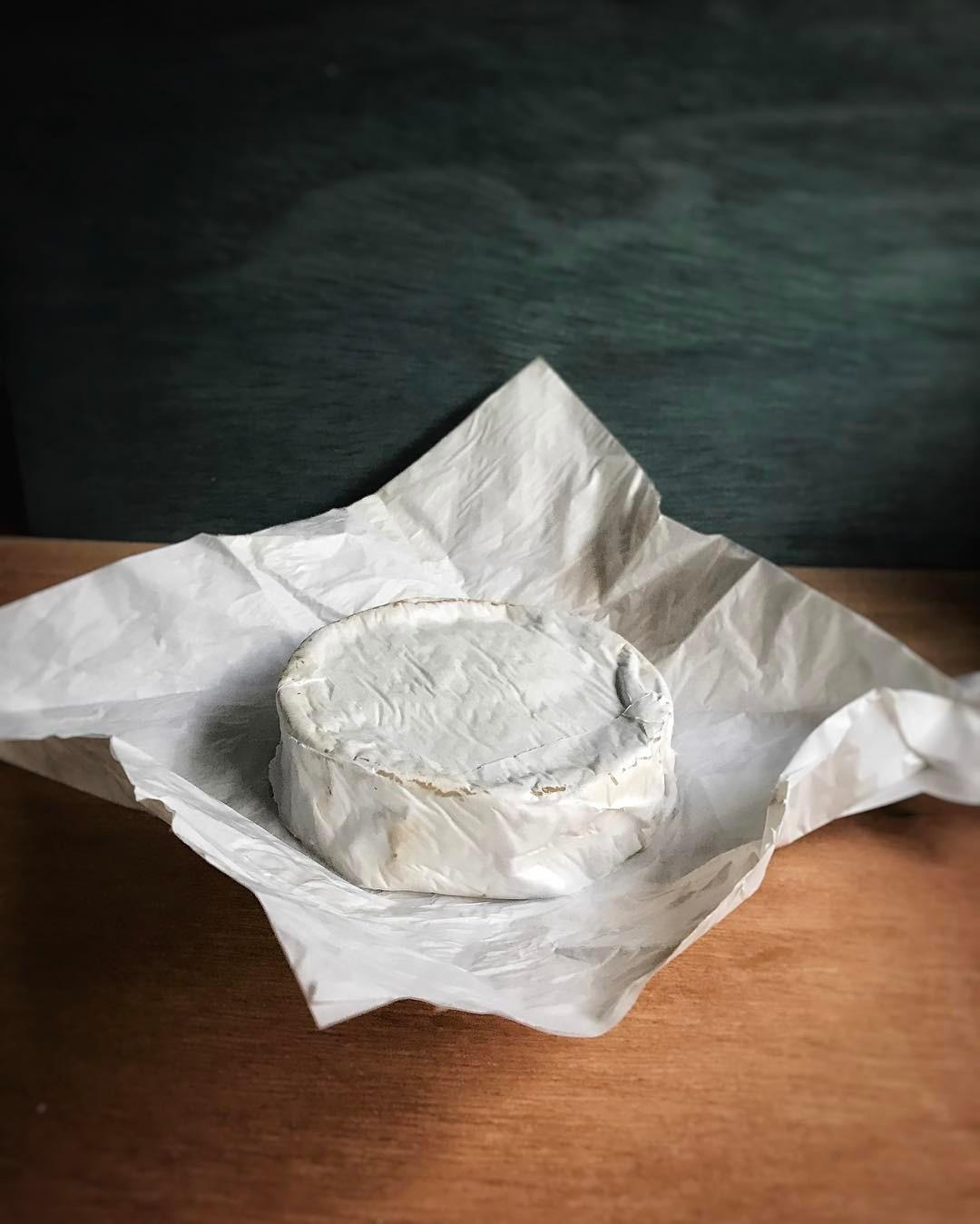 queso de kefir curado